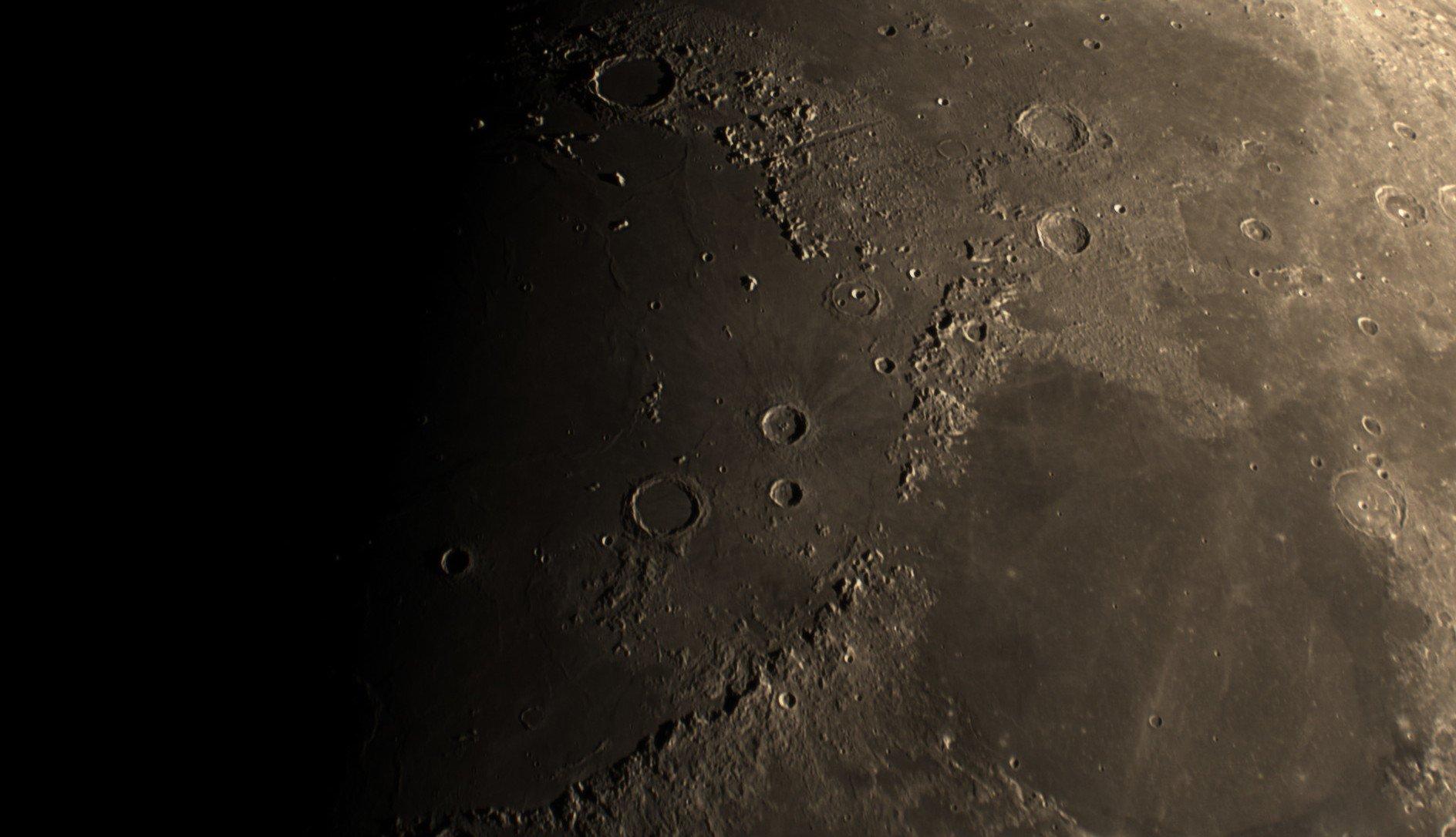 2021-08-16-1957 9-Moon Lapl5 Ap11156 Conv 1